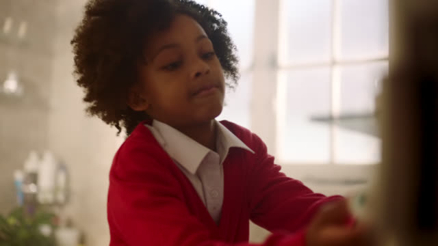 girl brushing teeth - brushing stock videos & royalty-free footage