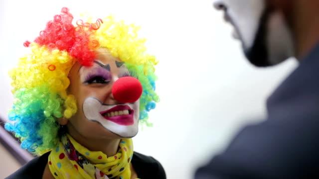 Mädchen-Clown-Enttäuschung