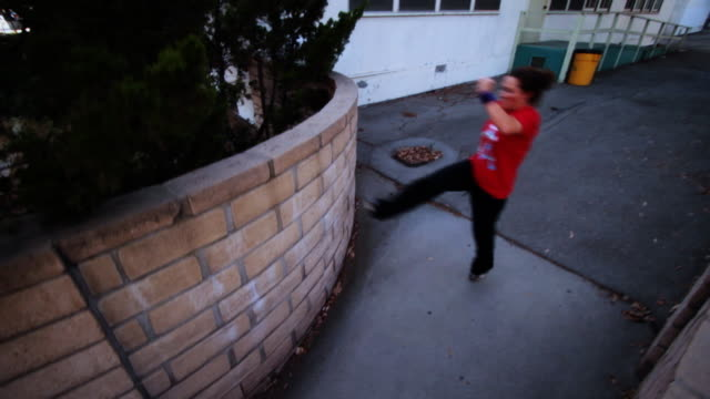 Girl doing Parkour - Tictac Precision to Flip