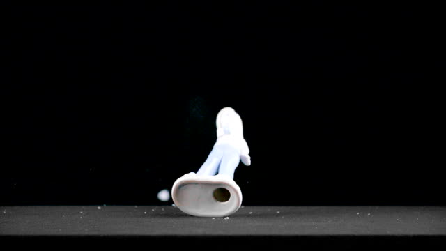 girl figure is breaking down - statuetta video stock e b–roll