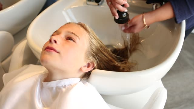girl in hair salon - wet hair stock videos & royalty-free footage