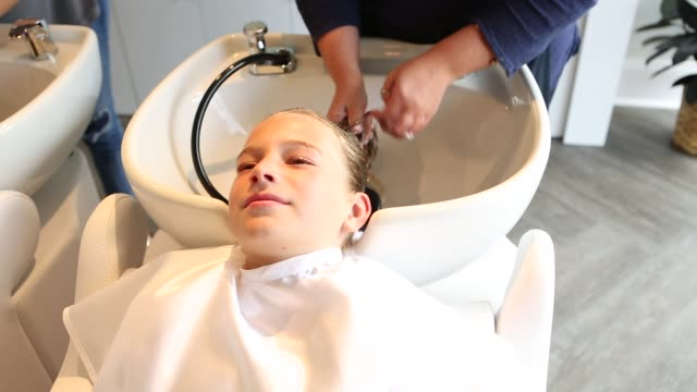 girl in hair salon - wet hair stock videos & royalty-free footage
