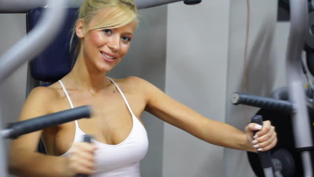 HD: Girl in the gym