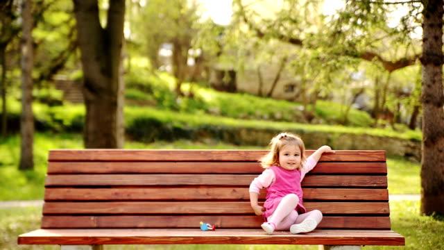 Fille dans le parc