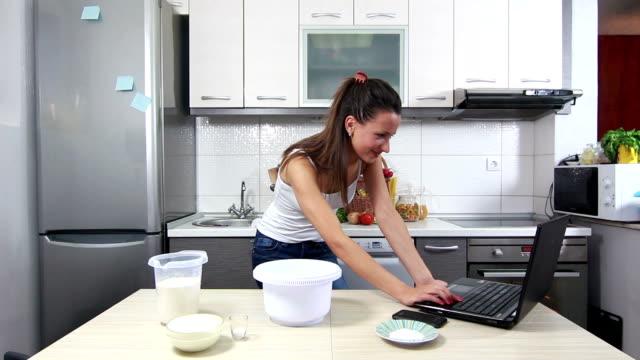 girl preparing food - recipe stock videos & royalty-free footage