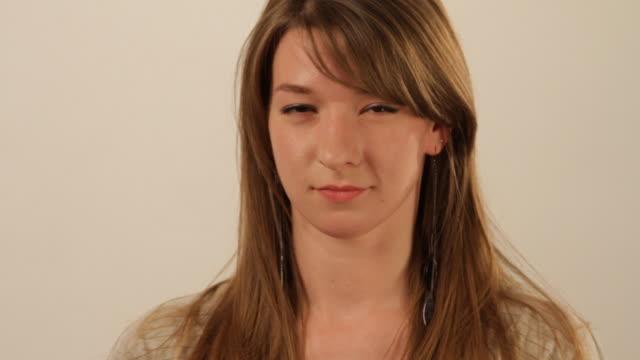vídeos y material grabado en eventos de stock de girl showing different emotions - sólo una adolescente