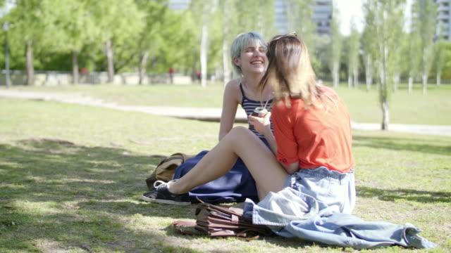 vídeos de stock e filmes b-roll de girls at the park in buenos aires - porto madero