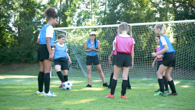 girl's soccer team practicing - 10 11 years stock videos & royalty-free footage