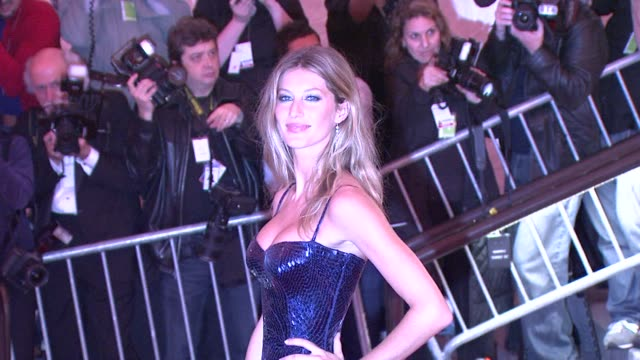 Gisele Bundchen at the 'The Model as Muse Embodying Fashion' Costume Institute Gala at The Metropolitan Museum of Art Arrivals at New York NY