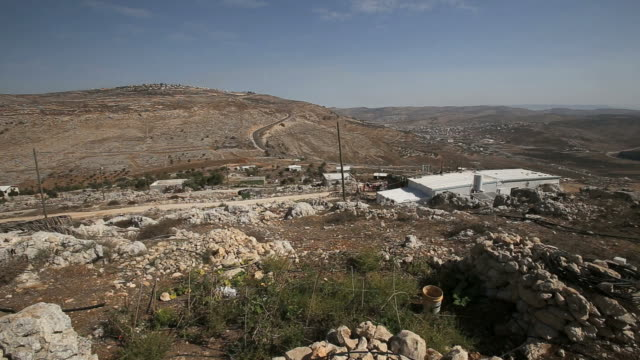 Giv'at Sne Ya'akov, Jewish settlement outposts in samaria, located next to Arab vilages