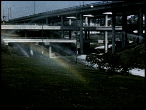 give yourself the green light - 16 of 23 - この撮影のクリップをもっと見る 2165点の映像素材/bロール