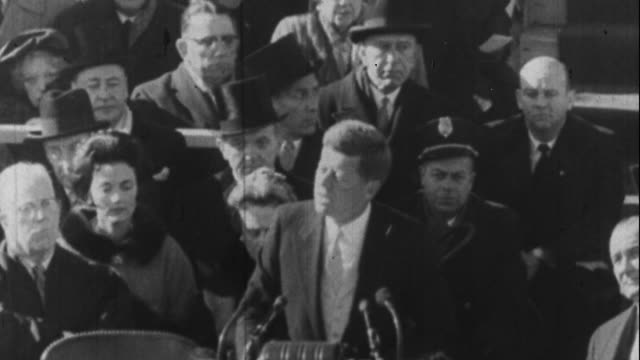 vídeos de stock e filmes b-roll de jfk gives his inauguration speech - 1961