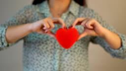 4K Giving Hearth Shape for Mom