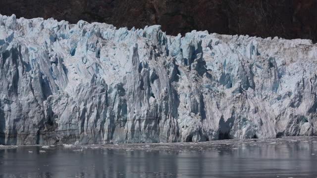 vídeos y material grabado en eventos de stock de bahía glaciar - colapsar