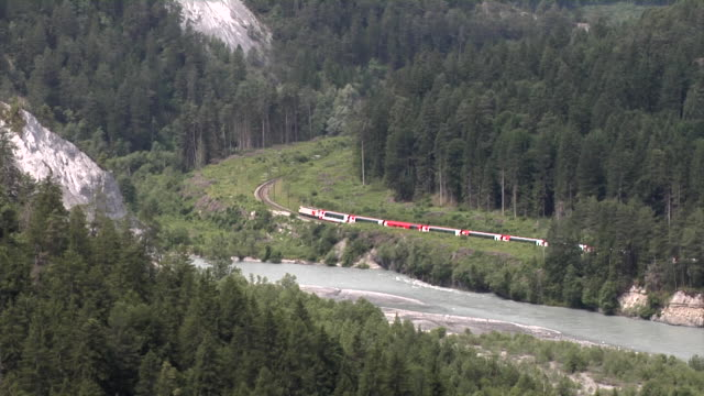 Glacier Express in the Ruinalta (Rheinschlucht)