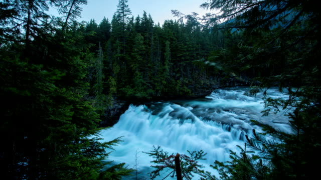 glacier park - mcdonald creek stock-videos und b-roll-filmmaterial