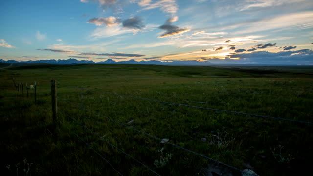 stockvideo's en b-roll-footage met glacier park - montana westelijke verenigde staten