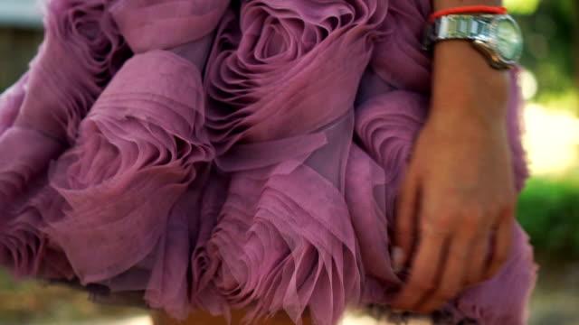 stockvideo's en b-roll-footage met glamoureuze jurken - bloemenmotief