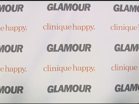 vídeos y material grabado en eventos de stock de glamour and clinique at the glamour reel moments presented by clinique - kirsten dunst, kate hudson and rita wilson make their directorial debuts at... - kate hudson