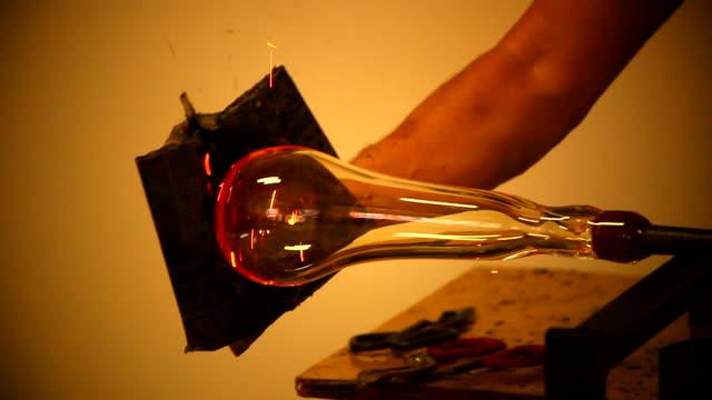glasbläserei - glasbläser stock-videos und b-roll-filmmaterial