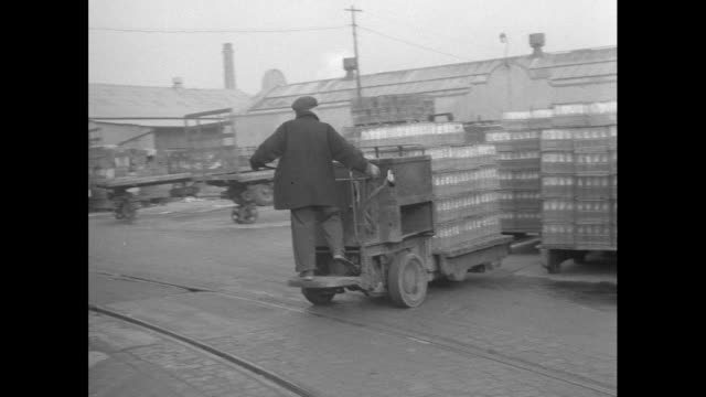 glass bottles on forklift truck; 1956 - production line worker stock videos & royalty-free footage