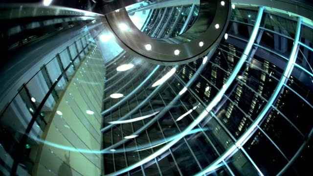 stockvideo's en b-roll-footage met glass elevator at night in skyscraper dubai uae - ingenieurswerk