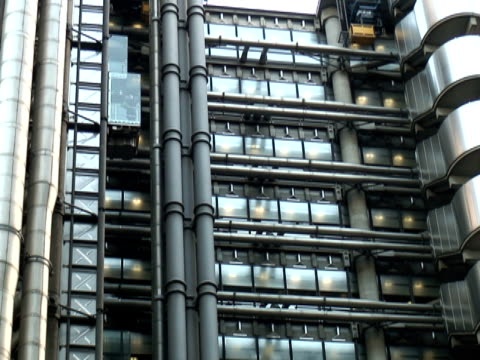 stockvideo's en b-roll-footage met glass on metal: exterior elevators, pull - audio available