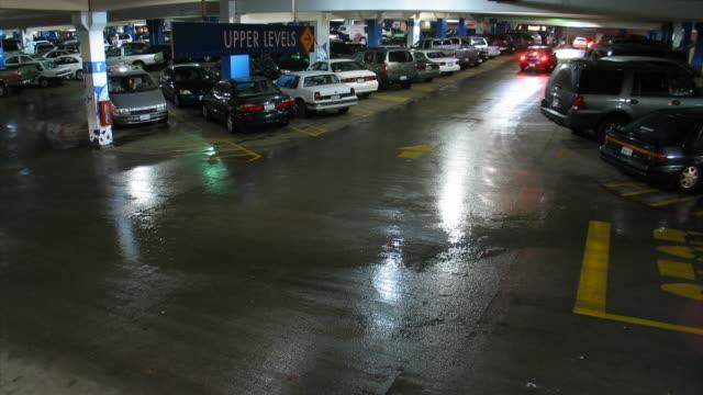 glendale galleria parking garage at night, time lapse[br][br][br][br] - artbeats bildbanksvideor och videomaterial från bakom kulisserna