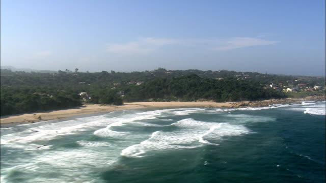vídeos y material grabado en eventos de stock de glenmore playa a trafalgar - vista aérea - kwazulu-natal, sudáfrica - kwazulu natal
