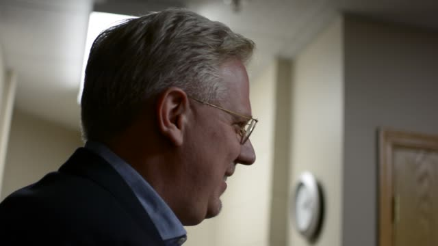 glenn beck back stage showing people george washington's compass and telling us that he's giving it to ted cruz, but ted doesn't know it yet. - pair of compasses stock videos & royalty-free footage