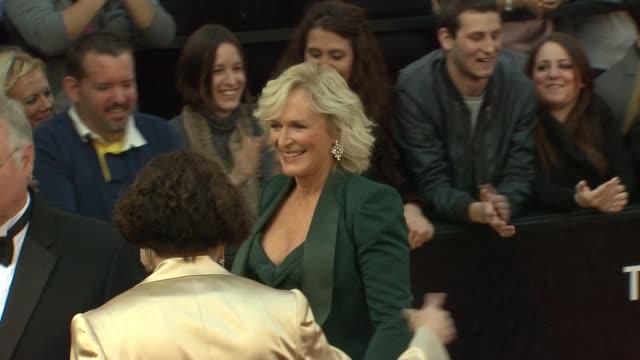 vídeos y material grabado en eventos de stock de glenn close at 84th annual academy awards - arrivals on 2/26/12 in hollywood, ca. - glenn close