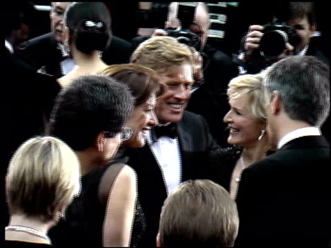 stockvideo's en b-roll-footage met glenn close at the 2002 academy awards arrivals at the kodak theatre in hollywood, california on march 24, 2002. - glenn close