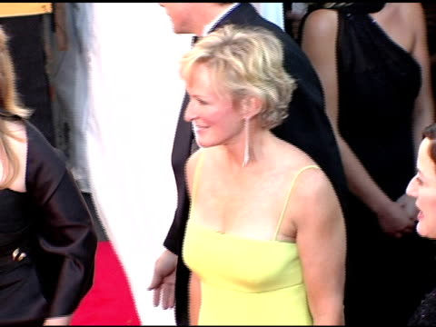 glenn close at the 2005 screen actors guild sag awards arrivals at the shrine auditorium in los angeles, california on february 5, 2005. - glenn close stock-videos und b-roll-filmmaterial