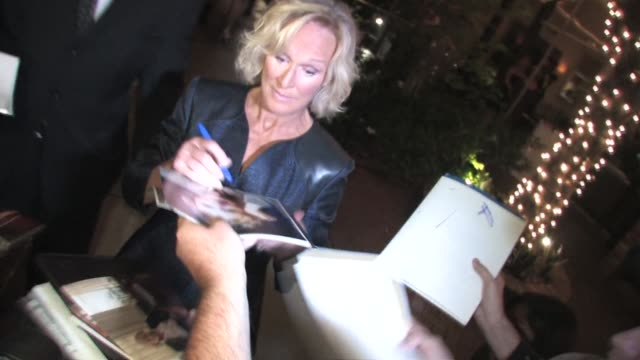 stockvideo's en b-roll-footage met glenn close at the 2010 entertainment weekly and women in film pre emmy party at the celebrity sightings in los angeles at los angeles ca. - pre emmy party