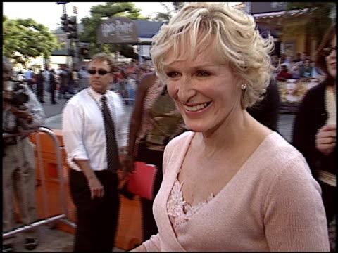 vídeos y material grabado en eventos de stock de glenn close at the premiere of 'the stepford wives' on june 6, 2004. - glenn close