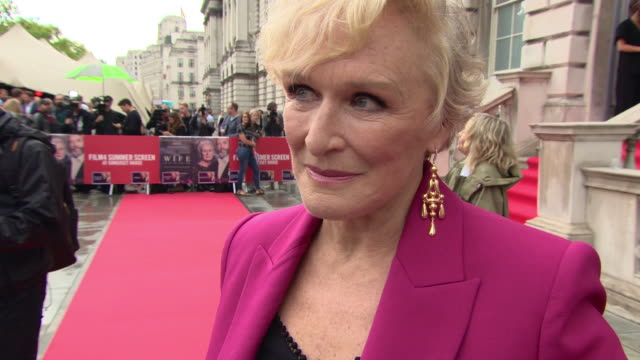 vídeos y material grabado en eventos de stock de glenn close on exploring a new character, women in hollywood, change within hollywood, working with jonathan pryce, trusting your fellow actors at... - glenn close
