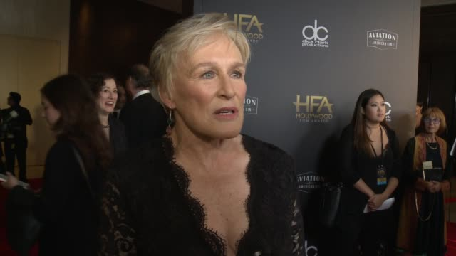 vídeos y material grabado en eventos de stock de glenn close on the most exciting aspects of the hollywood film awards at the 22nd annual hollywood film awards at the beverly hilton hotel on... - glenn close