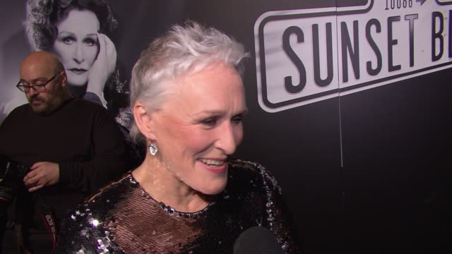 """vídeos y material grabado en eventos de stock de glenn close talks about starting in and returning to the theater at """"sunset boulevard"""" opening night at palace theatre on february 09, 2017 in new... - glenn close"""