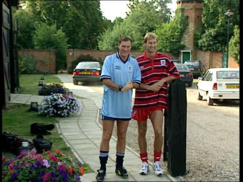 glenn hoddle and tony adams at press conference bongs glenn hoddle and tony adams posing for photocall - glenn hoddle stock videos & royalty-free footage