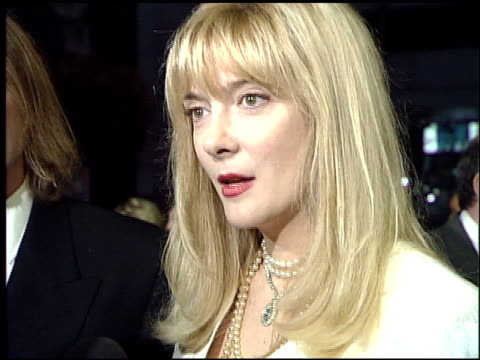 vídeos de stock e filmes b-roll de glenne headly at the 'mr holland's opus' premiere at the cinerama dome at arclight cinemas in hollywood california on january 18 1996 - glenne headly