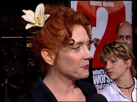 vídeos de stock e filmes b-roll de glenne headly at the 'what's the worst that could happen' premiere at leows' cineplex century plaza in century city california on may 22 2001 - glenne headly