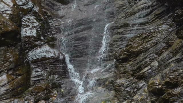 gletscherschlucht near grindelwald, bernese alps, switzerland - bernese alps stock videos & royalty-free footage