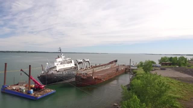 gliding towards shipwreck - shipwreck stock videos & royalty-free footage