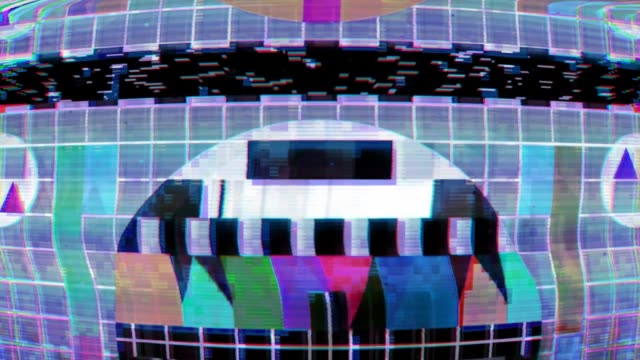 vídeos de stock e filmes b-roll de glitch tv static noise distorted signal problems - videocassete