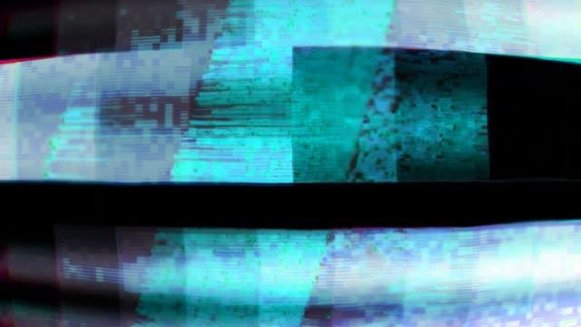 glitch tv statiska buller förvrängda signalproblem - tevestörningar bildbanksvideor och videomaterial från bakom kulisserna