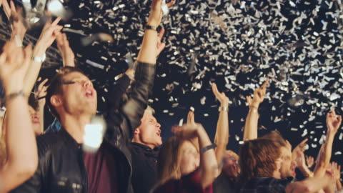glitter på konsert - applådera bildbanksvideor och videomaterial från bakom kulisserna