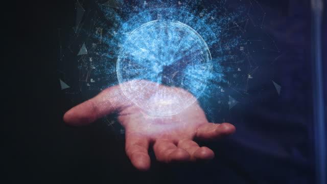 vidéos et rushes de communications mondiales en main - holographie