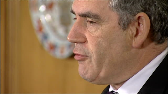 global financial crisis: close ups of brown and darling at press conference; england: london: 10 downing street: int gordon brown mp and alistair... - gordon brown stock-videos und b-roll-filmmaterial