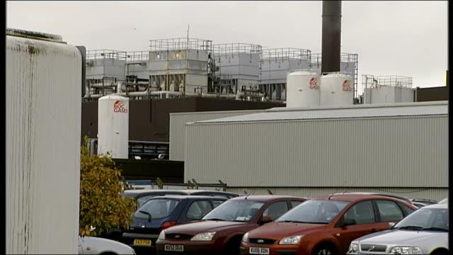 vídeos de stock e filmes b-roll de rise in unemployment scotland glasgow general views freescale semiconductor factory jimmy farrelly interview sot - vista geral
