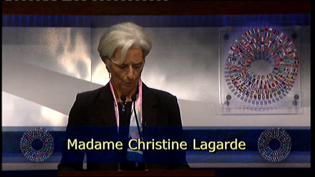 vidéos et rushes de global financial crisis: world finance ministers meet in washington; usa: washington d c: christine lagarde along on stage to podium christine... - tous types de crises